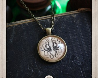 KRAKEN pendant necklace bronze glass 25mm, antique engraving, nautical jewelry, tentacles, Octopus, Octopus, cthulhu, steampunk COC006