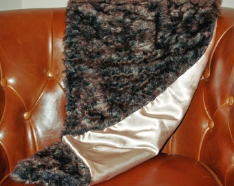 Faux fur shawl with champagne lining