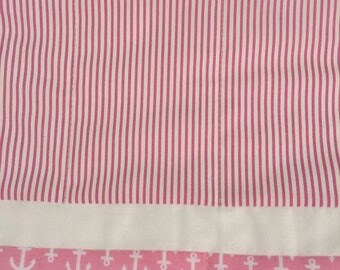Pink and white anchor toddler quilt