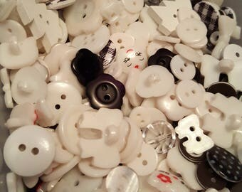 50g Button mix, Buttons, Craft buttons, Sewing buttons, Assorted buttons, Mixed buttons, Bulk buttons, Scrapbooking buttons, Black, White