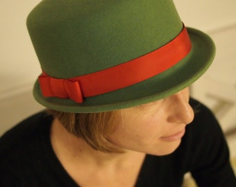 Cylinder green-red