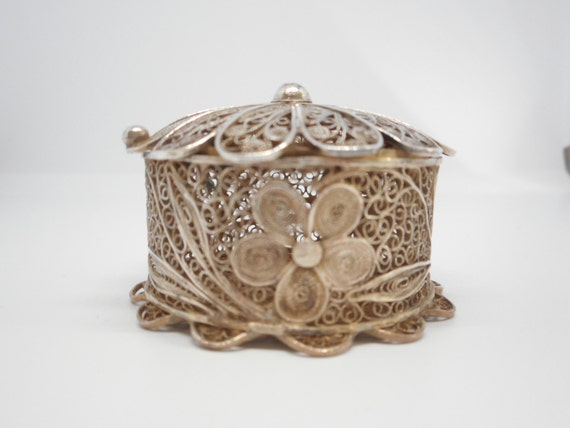 Beautiful Antique Silver Small Filigree Box