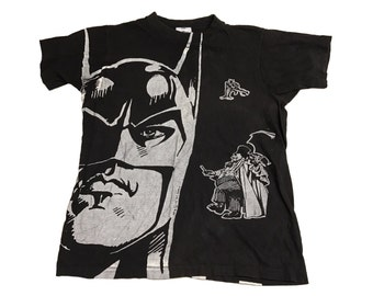 Batman, The Penguin and Catwoman T-Shirt Size (Medium) Fits Like a Small