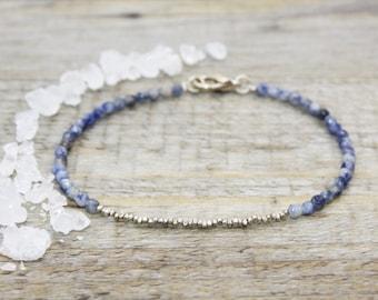 Sodalites bracelet and sterling silver / gemstones pearls / gems