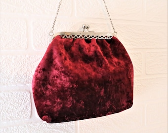 Carvela Red Maroon/Wine Crushed Velvet Evening Bag with short silver chain strap/ Retro Shoulder Bag/ Vintage Shoulder Bag/ 1980s