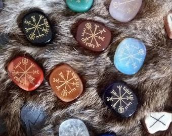 crystal vegvisir viking compass stave runes bindrune galdr quartz amethyst palmstone carnelian jasper lapis lazuli asatru odin heathen