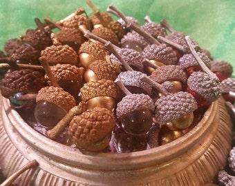 Marble acorns / Gold acorns / decorative acorns / holiday centerpiece / Christmas centerpiece / white oak / Planetacorn gift / acorn gift