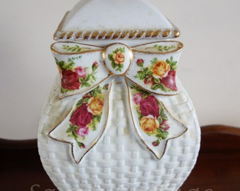 Royal Albert Old Country Roses Pattern Basketweave Cookie Jar / Large Canister