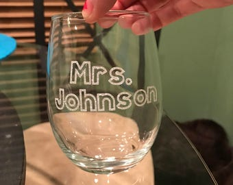 Mrs. Wine Glass 15oz