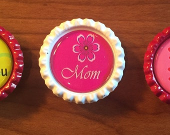 Handmade Mom, 1 inch Bottlecap Magnets, Set of 3