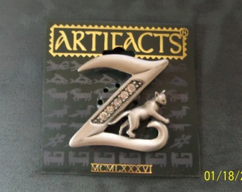Artifacts Vintage signed Silver pewter Initial Z Rhinestone Cat Brooch/Pin