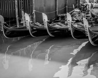 Venice Photography, Italy Photography, Fine Art Print Italy, Italy Print, Black and white, Italy Photo, Venice Print, Venice Wall Art, B&W