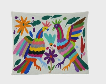 Tortola - Otomi Hand Embroidered Pillow