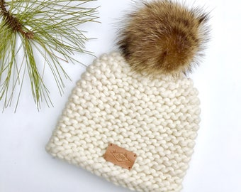 Hat / Pompom / cream / wool and recycled fur / Peruvian wool / recycled fur