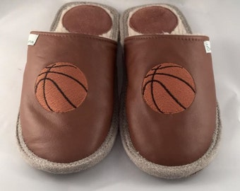 Brown slippers, men slippers, leather slippers, basketball slippers, warm slippers, closed toe slippers, home slippers, men's house shoes