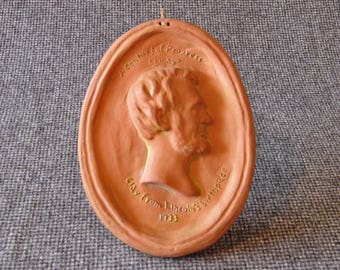 """President Abraham Lincoln Clay Pottery Plaque   Souvenir   """"Clay From Lincoln's Birthplace"""" Chicago World's Fair   1933 Century of Progress"""