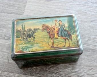 French Vintage tin box, Chocolate box, Vintage tin, Biscuit tin, Metal box, Storage tin box, Made in France, B110