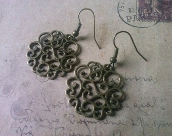 Round ornament earrings ~ bronze ~.