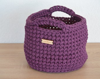 Large basket made from purple textile yarn / / great looker and beautiful decoration / / for Krims Krams of all kinds / / gift and souvenirs