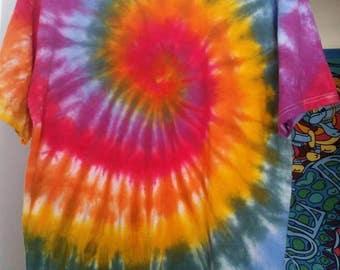 Men's L tie dye size large multi-colors Free shipping