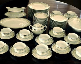 Art Deco, Heinrich and Co, Vintage Bone China Service for 12