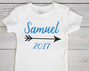 Personalized name bodysuit | Take Home Outfit, Coming Home Outfit, Boy name, Hello world, Baby shower gift, Baby boy clothes