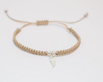 Handmade Oatmeal coloured angel wing macramé bracelet