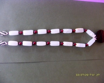 Necklace Red with Marble Ivory Glass