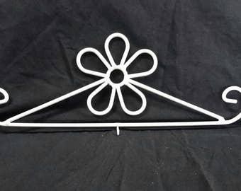Decorative Metal Flower Calendar Hanger