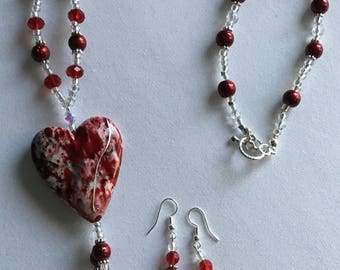 Red heart pendant necklace