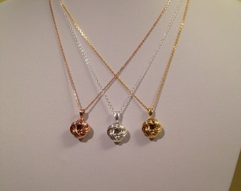 Classic Knot Style Pendant with Chain