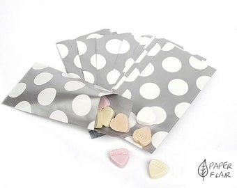 10 paper bags of dots silver/white (K-4)