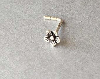 20g Sterling Silver Flower Nose Stud.