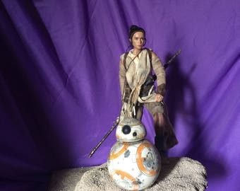 Rey and BB8 diorama inspired from Star Wars Force Awakens