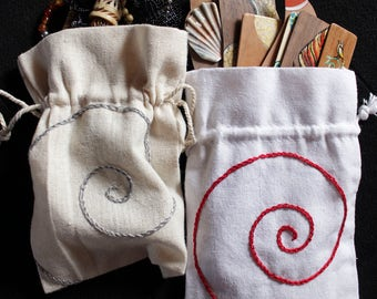 Beige cotton pochette, with gray and blue spiral embroidery,  small bag, cotton, embroidery, spiral