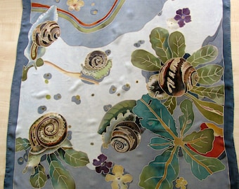 "Shawl ""Snails and rain"""