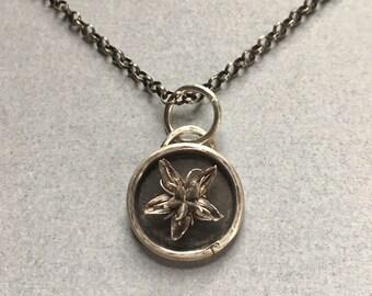 Dainty Flower Casting Pendant (no chain)