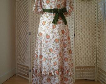 Beautiful Vintage maxi dress.