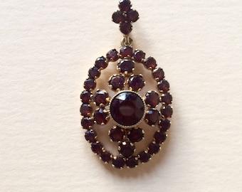 Vintage 14kyg Bohemian Garnet pendant