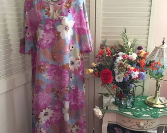 Vintage 60s Floral Tropics Festival Bohemian Caftan Maxi Dress