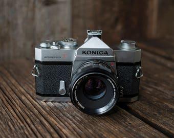 Konica Autoreflex T + 52mm f/1.8