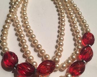 Vintage bead necklace Beautiful