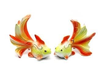 Beautiful Figurine gold fish porcelain