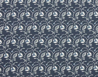 Arts & Crafts 'Flower and Leaves' by Fabric Freedom Fat Quarter