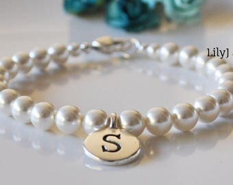 White Crystal Pearl Bracelet with Letter Charm and Heart Lobster Clasp, Bridesmaids Gift, Bridesmaid Bracelet, Bridesmaid Jewellery 6mm