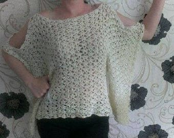 Hand knitted poncho suitable for beach and not only