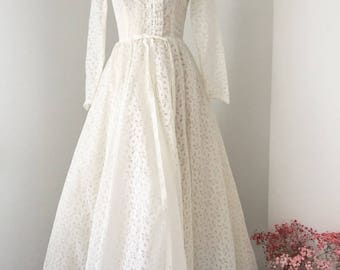Vintage 50s wedding dress