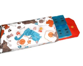 Pill Box Cover, Pill Cover,  Cats and Kittens, Pill Sleeve