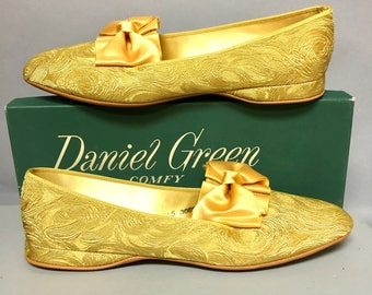 Never Worn 60s Gold BROCADE Boudoir Slippers, 1960's Daniel Green Evening SLIPPERS, CAMELOT Design, size 8 1/2