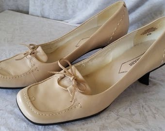8.5M Vintage Enzo Angiolini Loafers with Japanese Heels Beige